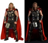 Win Thor & Hulk Collectables With Avengers Infinity War